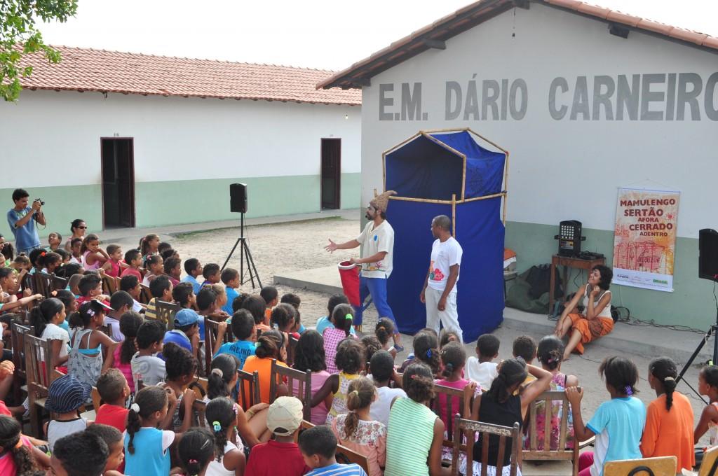 Apresentacao Sertao a Fora Cerrado a Dentro - Minas Gerais