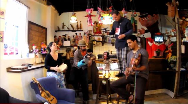 Vídeo: Fuzuê na 7ª Mostra de Teatro de Bonecos de Mariana (MG)